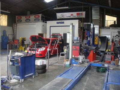 Carrosserie tulleau r seau de garages en charente for Garage sevre automobile vertou